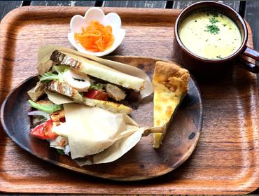 天然酵母カンパーニュのサンドイッチランチ