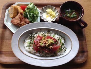 天然マグロのアヒポキ丼ランチ